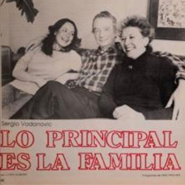 Hoy despedimos a Betty Johnson, viuda de Sergio Vodanovic. Para nosotros fue un privilegio haber podido trabajar con ella y aprender tanto de su trabajo como bibliotecóloga y de la vida hermosa que compartió con su familia. Atesoramos las conversaciones que tuvimos, nos van a acompañar siempre
