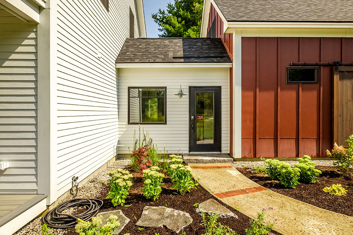 LIVE SOLAR MAINE - BIRCH FARMHOUSE ENTRY