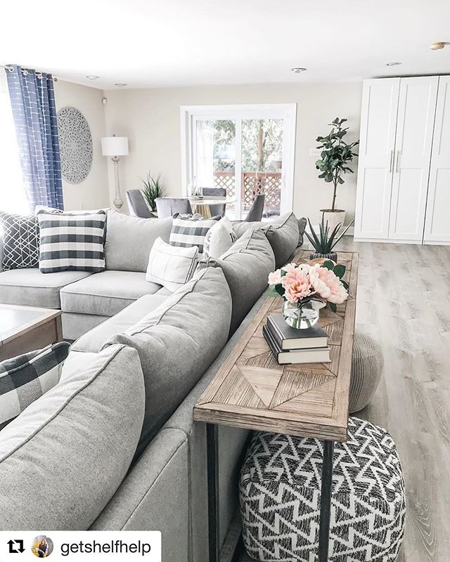 Showing lots of rain in the forecast, but we wouldn't mind spending the weekend in this cozy living room! 😍💚🇺🇸🛋 —————————————————— #fusionfurniture #madeinamerica #raymourandflanigan #interiordesign #weekendvibes #rainy #cozy #weekendplans #homedecor #livingroomdecor