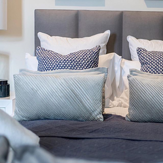Because who doesn't love co-ording their bed with their cushions?! • • • #blue #coordination #coord #bedroomgoals #bedroomdecor #homestaging #homedressing #furniturerental #proprental #sustainableliving #sustainable #sustainability #rentnotbuy #rentalfurniture @ehghome