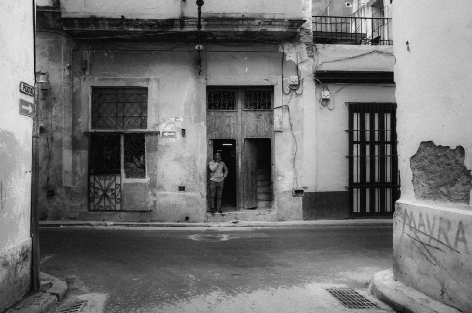 My Playa Photographer in the streets of Havana