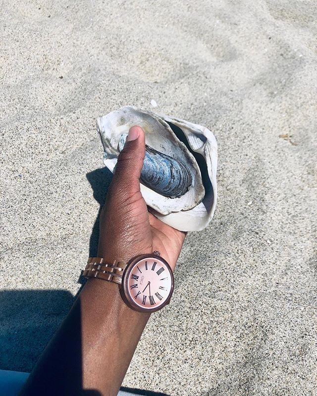 """Recap of my #summertime favorite ; It naturally became apart of our routine for beach days, sea shell finds, but most of all , family time , timeless endeavors ⠀⠀⠀⠀⠀⠀⠀⠀⠀ Unplugged 🔌  Snuggled up  With the tribe sand bae of course ( King will sprinkle sand on errrthang) ⠀⠀⠀⠀⠀⠀⠀⠀⠀ Although we were not concerned about """"time"""" because you can surely tell when the sun in Kings words * goes nigh nigh * during the 🎶 Summer summer timeee 🎶 -had to hit that quick note 😂 ⠀⠀⠀⠀⠀⠀⠀⠀⠀ Translation : Night Night  I do keep my watch close because first and foremost its so cuteee 😍 Side note: it's actually my first adult watch 😂 & 2. It reminds me to appreciate our #timeless summer endeavors — Don't forget about @jordwatches and i's #giveaway , you can find the #linkinmybio ⠀⠀⠀⠀⠀⠀⠀⠀⠀ Giveaway ends on 𝟗.𝟏𝟕.𝟏𝟗 — ⠀⠀⠀⠀⠀⠀⠀⠀⠀ What's your favorite summer time memory?"""