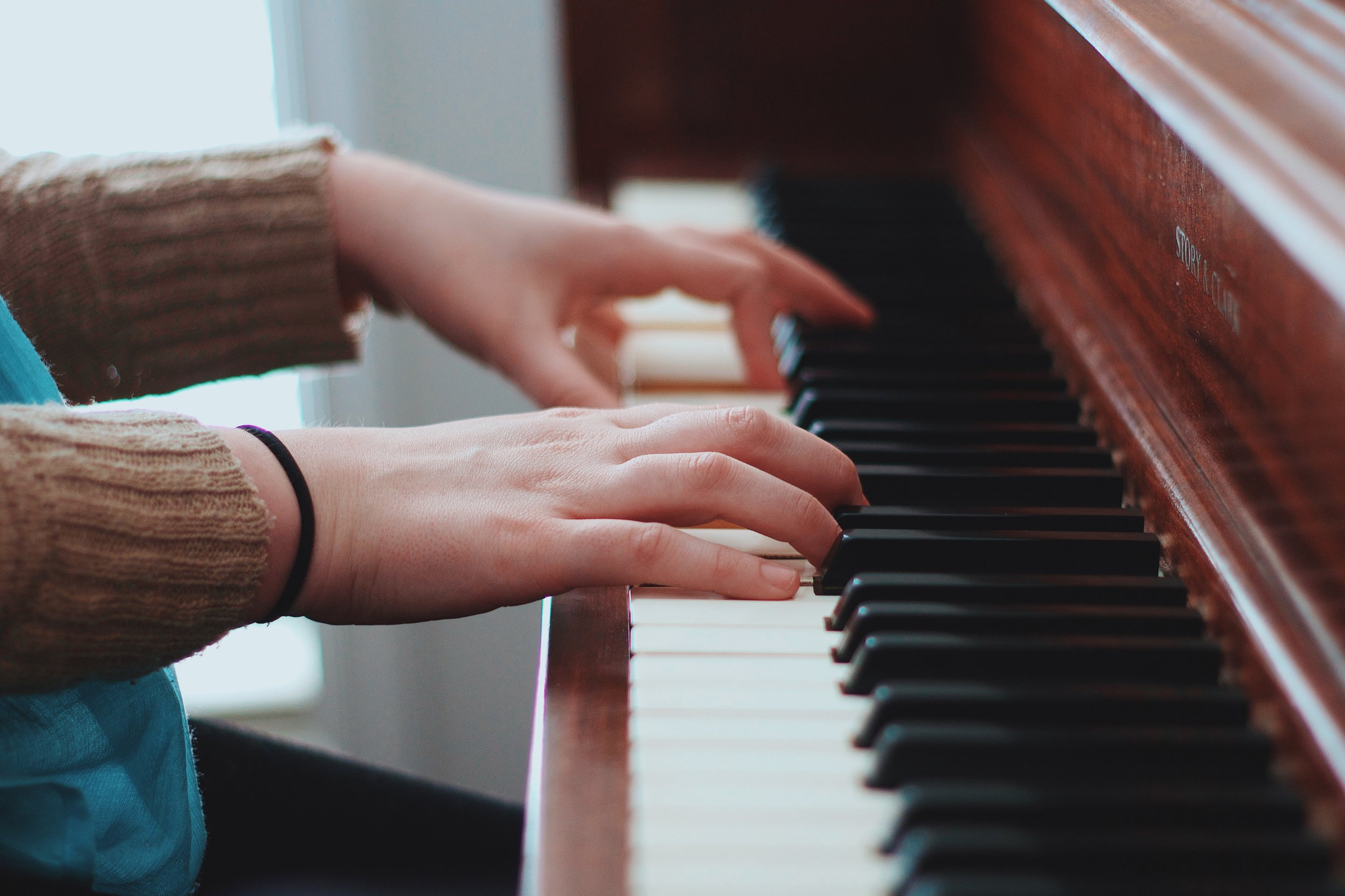 PIANO LESSONS FOR ADULTS -