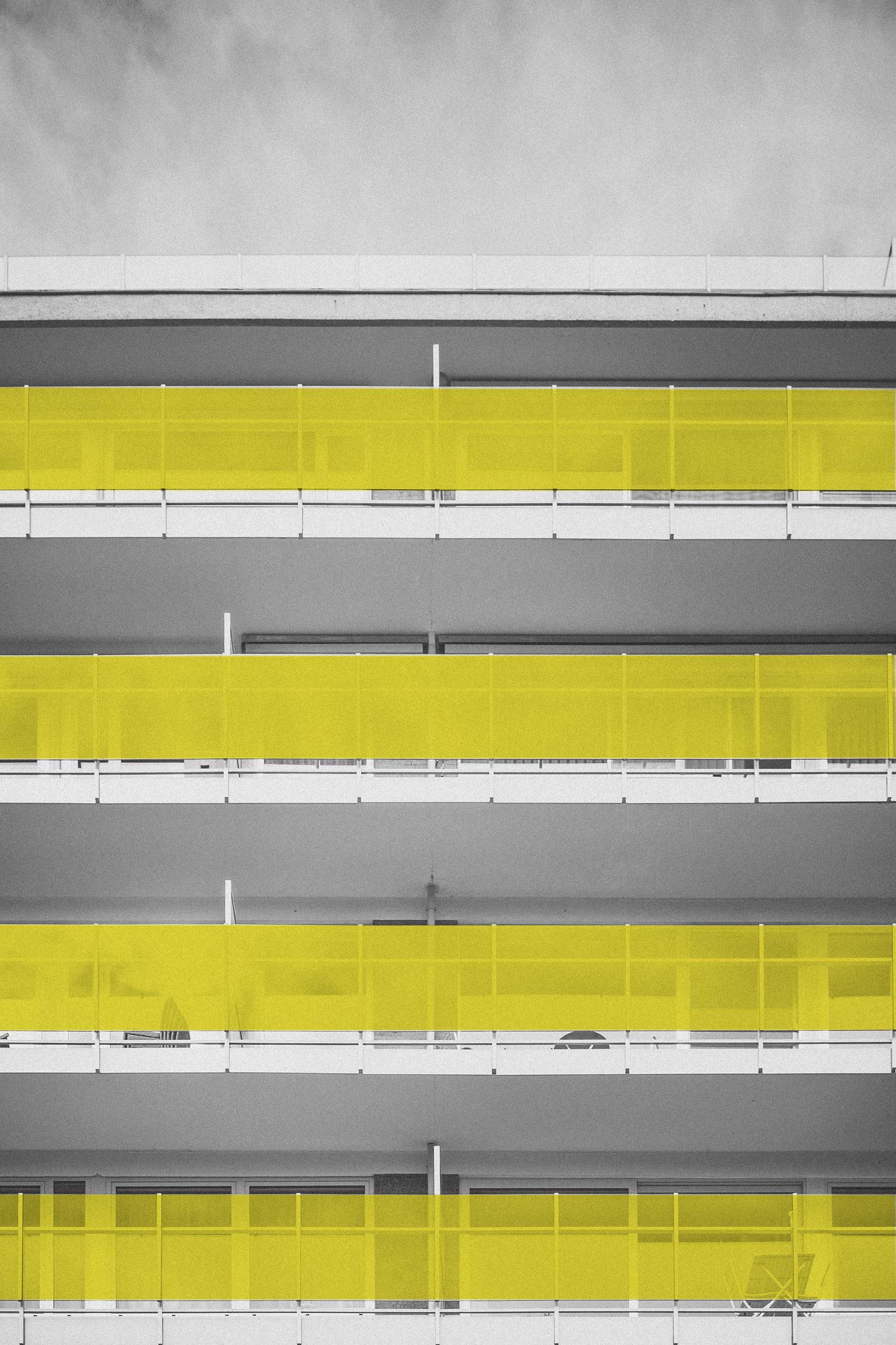 Cortavientos - Productos que confieren distinción a las fachadas en las que son colocadas, favorecen la iluminación y, como su nombre lo indica, aíslan al espacio de vientos o polvo y brindan seguridad en terrazas.