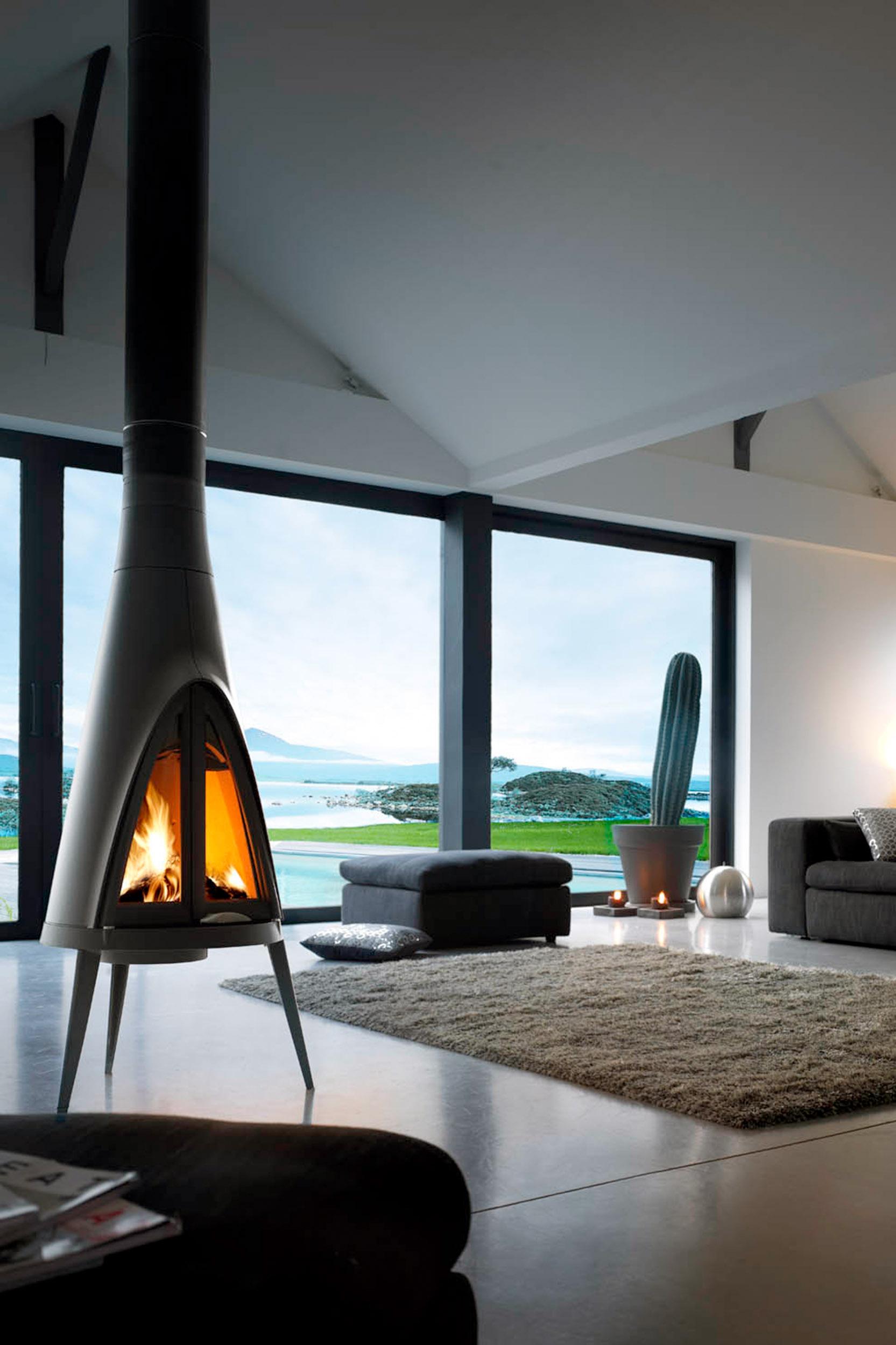Fogón de diseño sofisticado, encendido en una sala moderna