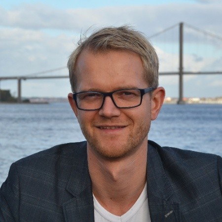 Joakim Ditlev (DK)   Content Marketing Specialist & Co-founder of messbar