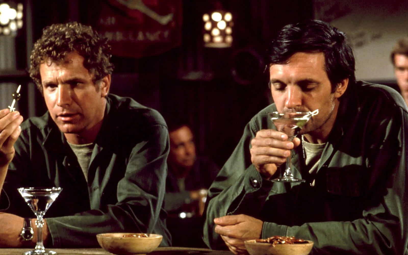 Trapper (L) and Hawkeye (R), the anarchic US Army surgeons in M*A*S*H