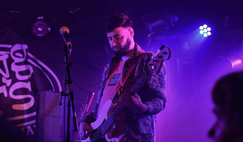 Bass Player Ian McNaught