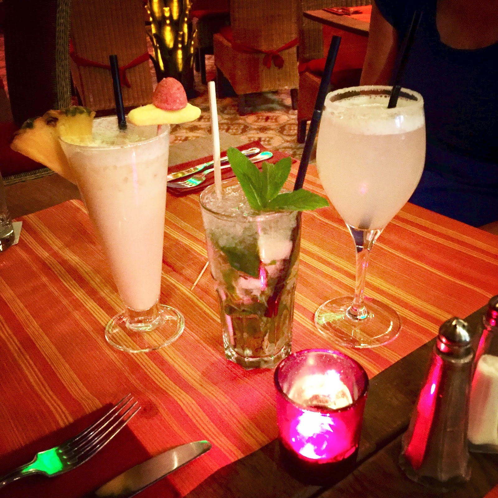 My companions declared their Margaritas and Piña Coladas good drinks too:   L: Piña Colada, R: Margarita