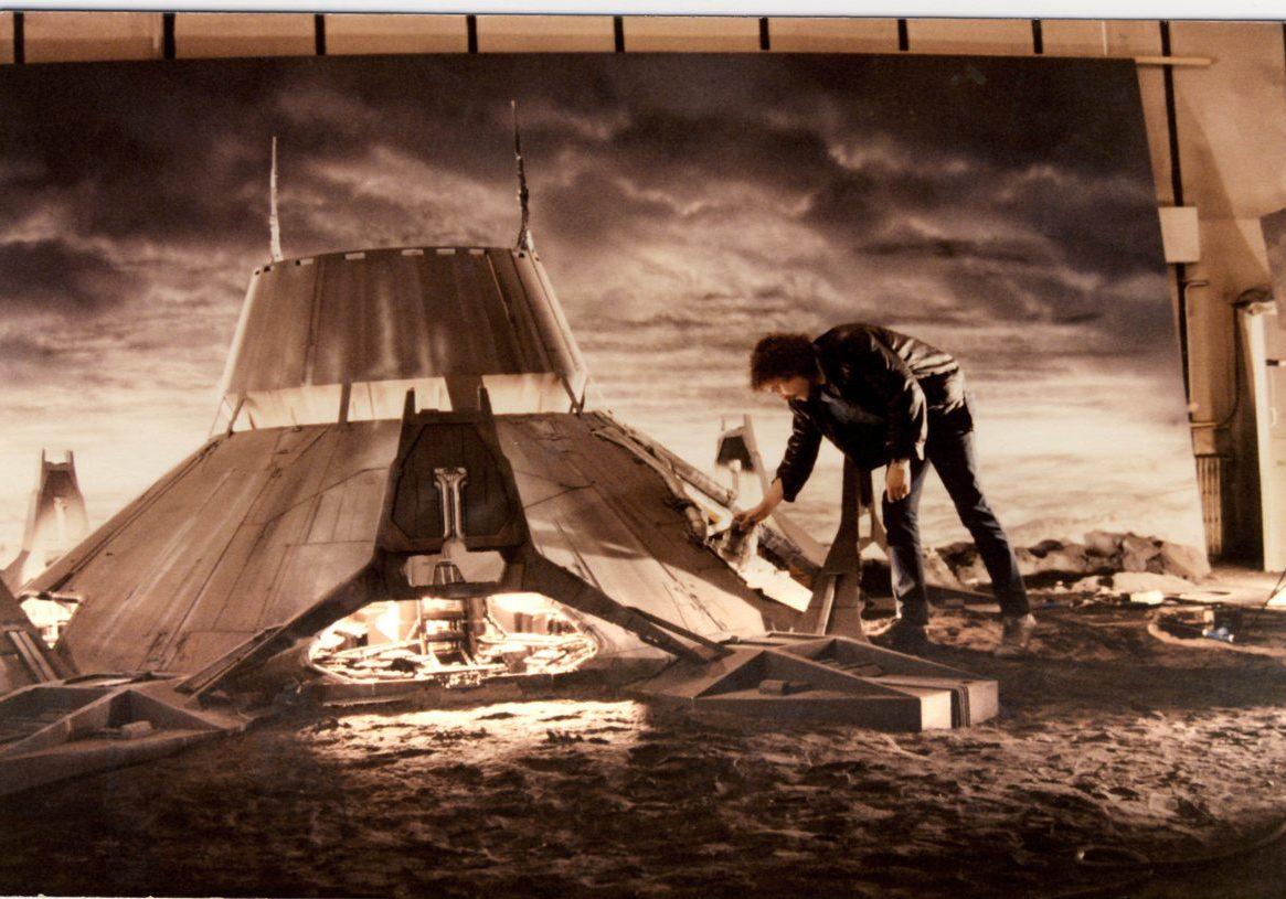 Steve Begg and Aliens AP miniature landscape.