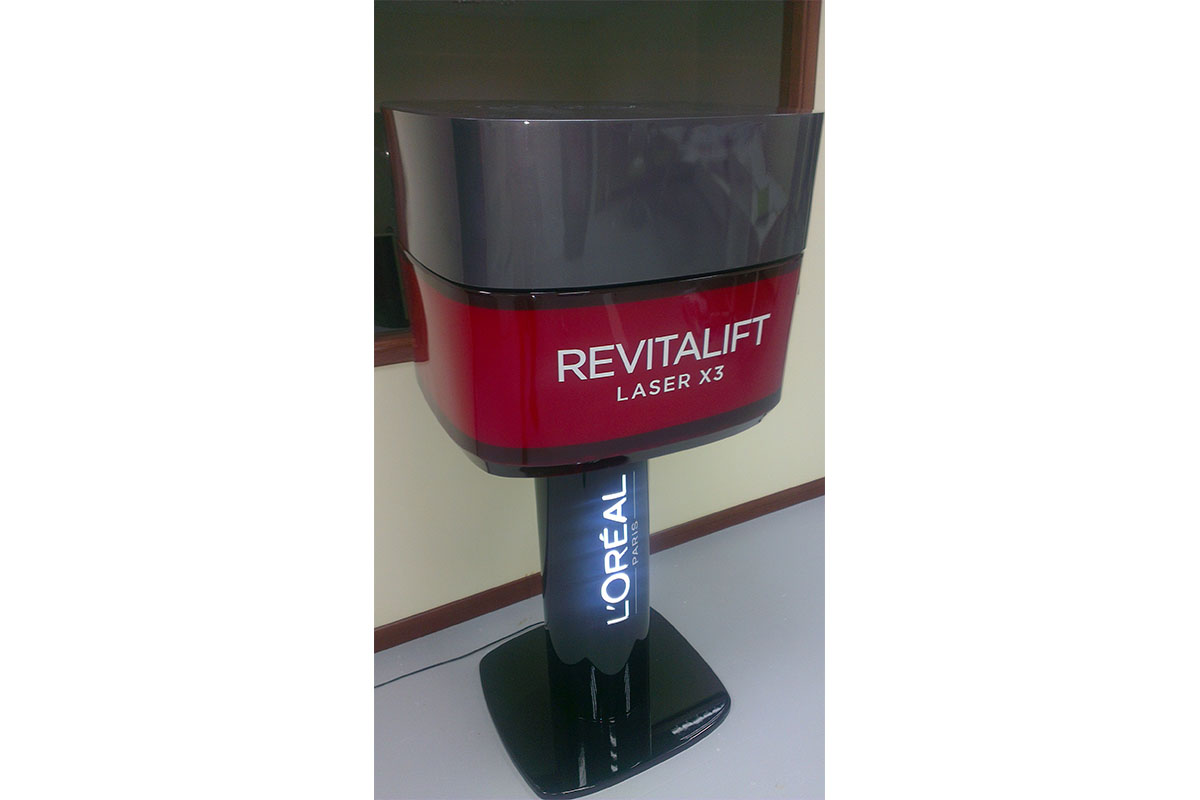 Revitalift w stand_copy.jpg