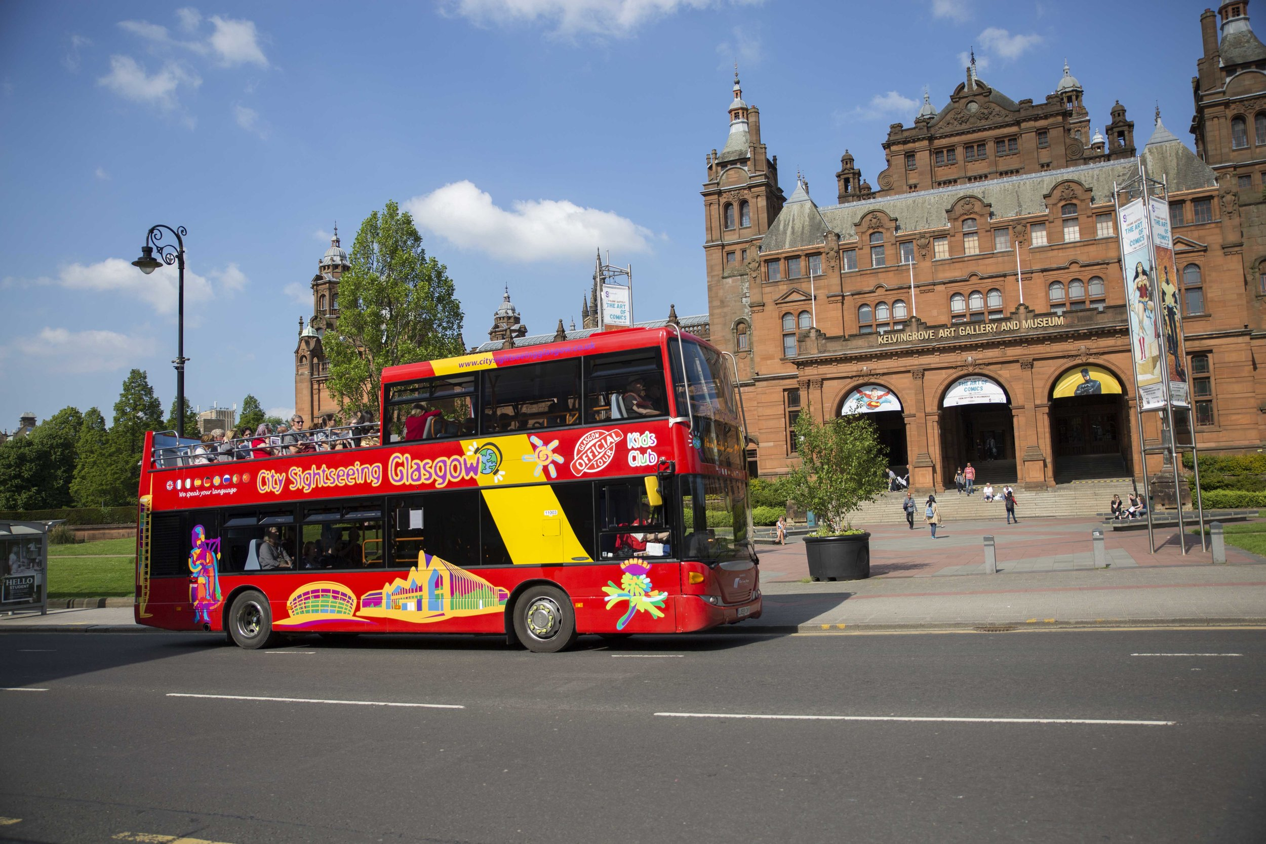 Bus at Kelvingrove.JPG