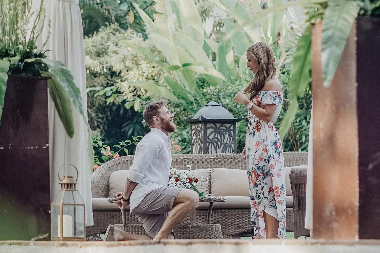 Er macht ihr einen Heiratsantrag auf Bali