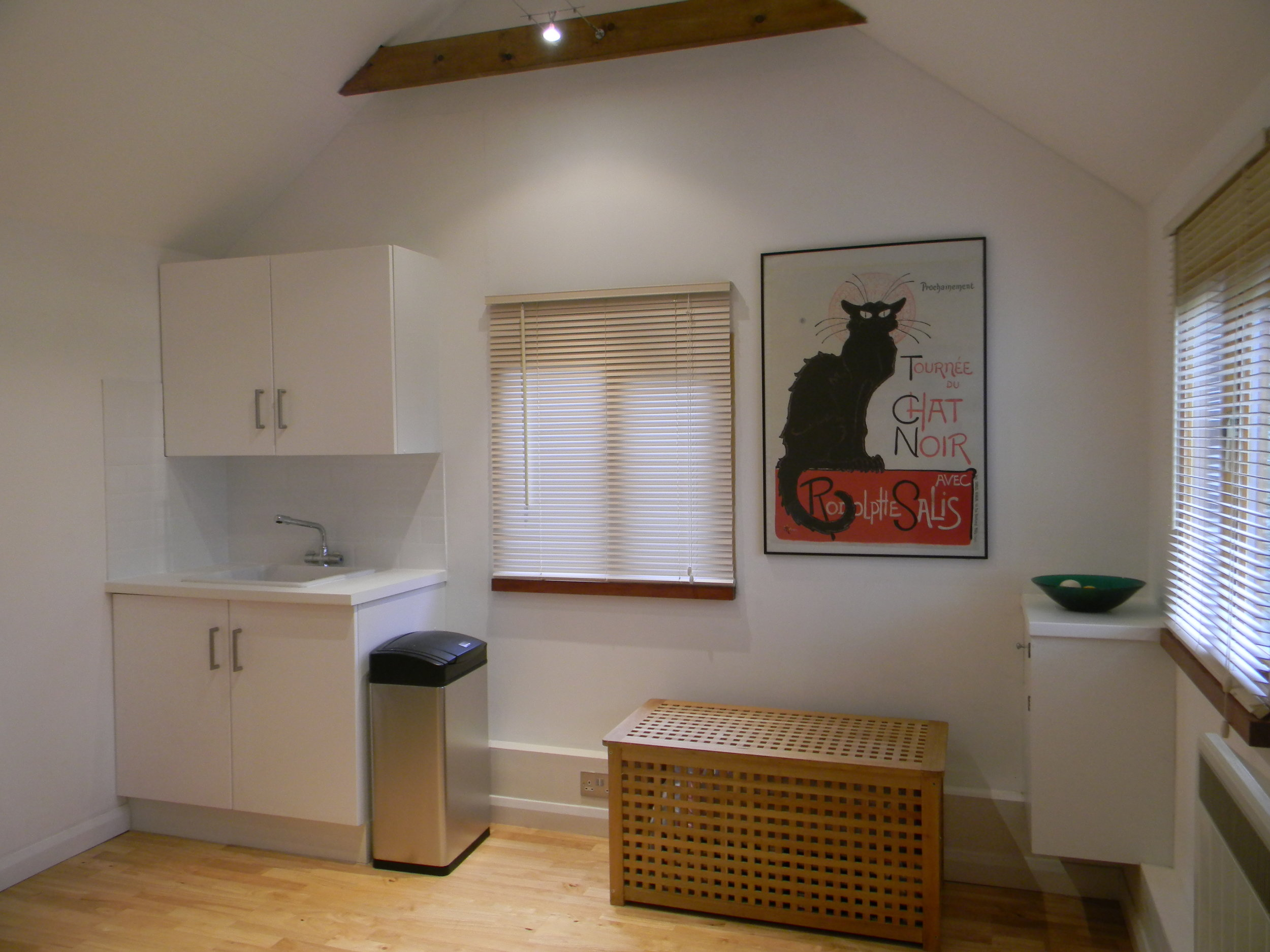 To hire this space - There are opportunities for therapists to rent this delightful space. Please contact Brianan if you want to discuss availability and rates.There is a small waiting room, a large treatment room with an adjustable couch and toilet facilities. The building is only a few years old and is fully insulated, making it a warm and cosy working environment with plenty of natural day light.