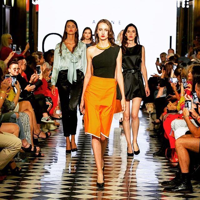 Wir präsentieren euch Stolz unsere Bilder von der letzten Fashionweek im Quatier206.  Ein großes Danke geht an @celi.fashion für die tolle Kollektion und an die Models, für Ihren glamourösen Auftritt!  #quartier206 #quartier206fashionstars #fasionweekquartier206 #fashionshow #glamour #berlinfashionshow #fashionispassion #loveberlin #berlinmitte #catwalk