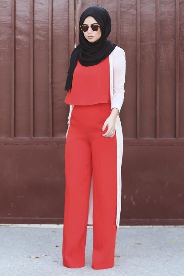 large_jumpsuit-for-hijab-style-fustany-ar-2.jpg