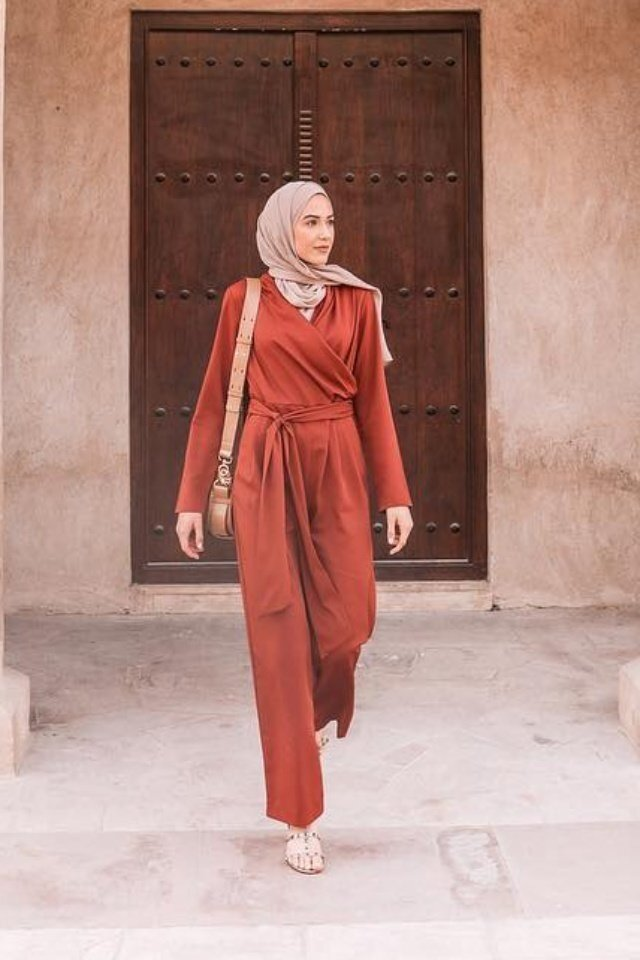 large_jumpsuit-for-hijab-style-fustany-ar-3.jpg