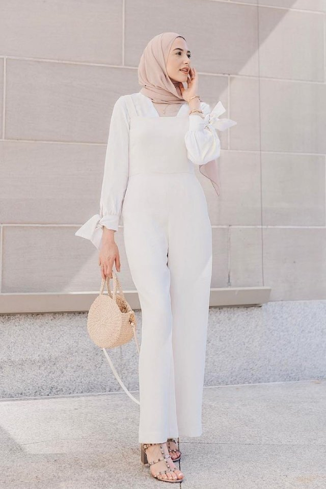 large_jumpsuit-for-hijab-style-fustany-ar-7.jpg