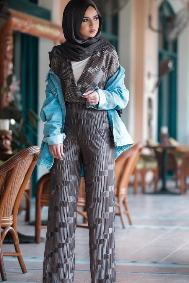 large_jumpsuit-for-hijab-style-fustany-ar-13.jpg