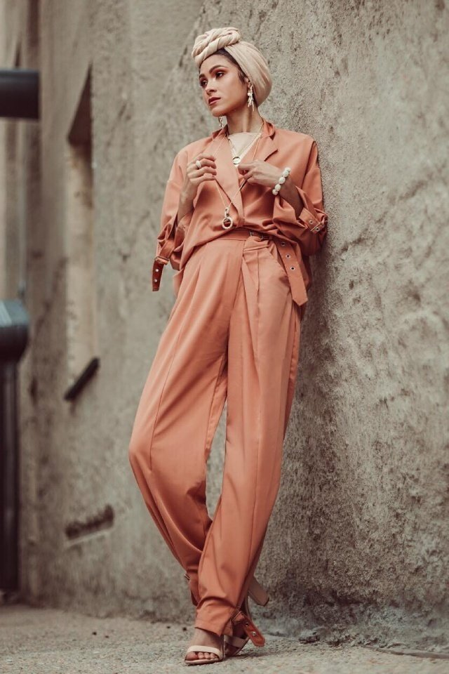 large_jumpsuit-for-hijab-style-fustany-ar-14.jpg