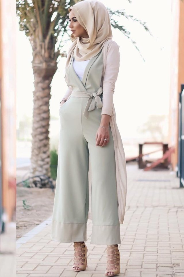 large_jumpsuit-for-hijab-style-fustany-ar-18.jpg