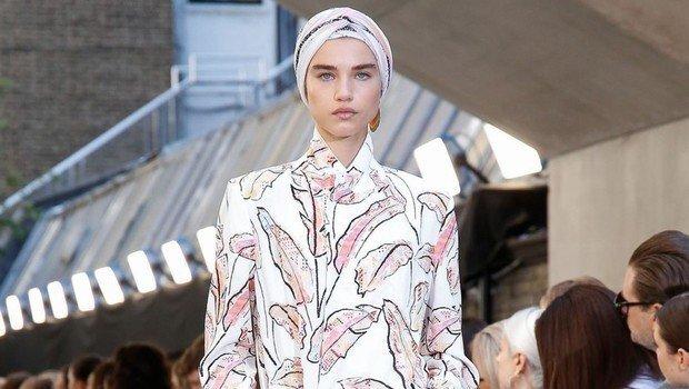 header_image_fashion-hijab-looks-from-london-fashion-week-2020-fustany-ar.jpg