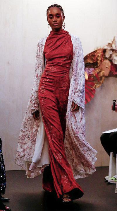 gallery_slider_2_thumb_Fustany-fashion-hijab-fashion-hijab-looks-from-london-fashion-week-2020-12.jpg