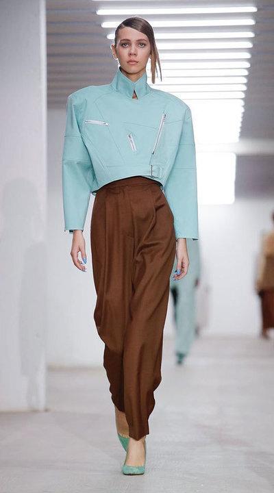 gallery_slider_2_thumb_Fustany-fashion-hijab-fashion-hijab-looks-from-london-fashion-week-2020-17.jpg