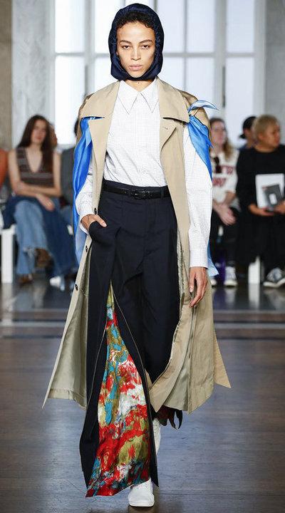 gallery_slider_2_thumb_Fustany-fashion-hijab-fashion-hijab-looks-from-london-fashion-week-2020-37.jpg