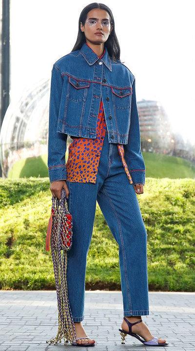 gallery_slider_2_thumb_Fustany-fashion-hijab-fashion-hijab-looks-from-london-fashion-week-2020-38.jpg