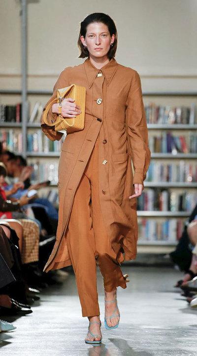 gallery_slider_2_thumb_Fustany-fashion-hijab-fashion-hijab-looks-from-london-fashion-week-2020-41.jpg