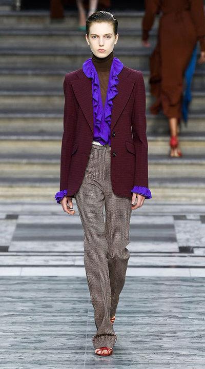 gallery_slider_2_thumb_Fustany-fashion-hijab-fashion-hijab-looks-from-london-fashion-week-2020-63.jpg