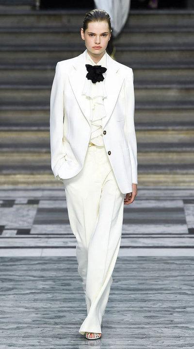 gallery_slider_2_thumb_Fustany-fashion-hijab-fashion-hijab-looks-from-london-fashion-week-2020-65.jpg