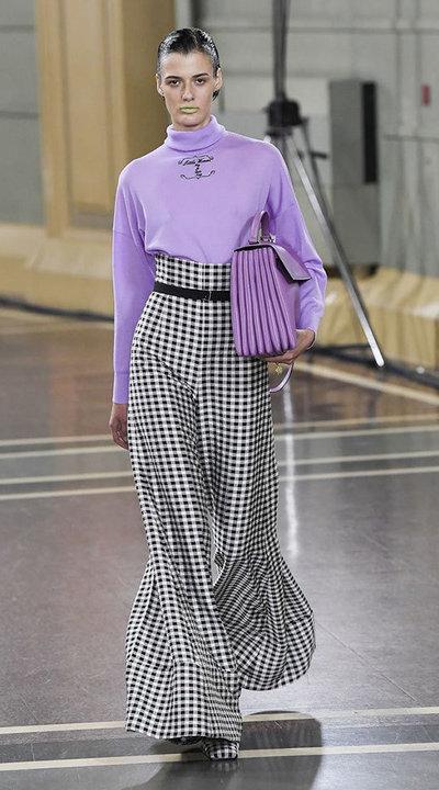 gallery_slider_2_thumb_Fustany-fashion-hijab-fashion-hijab-looks-from-london-fashion-week-2020-68.jpg