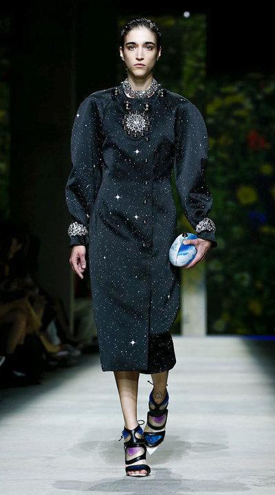 gallery_slider_2_thumb_Fustany-fashion-hijab-fashion-hijab-looks-from-london-fashion-week-2020-83.jpg