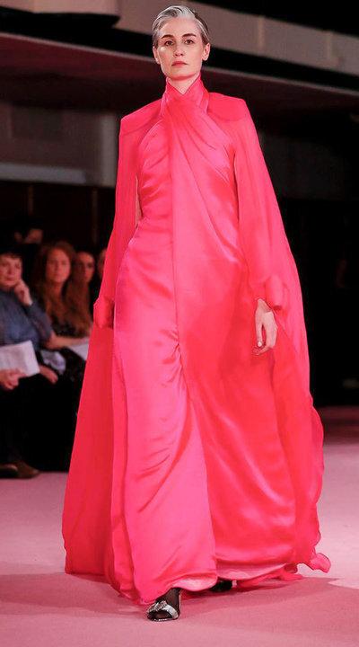 gallery_slider_2_thumb_Fustany-fashion-hijab-fashion-hijab-looks-from-london-fashion-week-2020-85.jpg