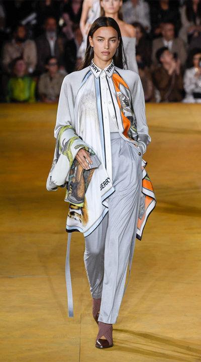 gallery_slider_2_thumb_Fustany-fashion-hijab-fashion-hijab-looks-from-london-fashion-week-2020-90.jpg