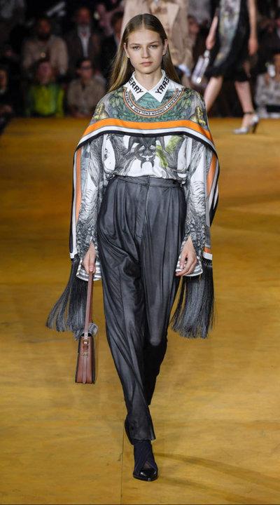 gallery_slider_2_thumb_Fustany-fashion-hijab-fashion-hijab-looks-from-london-fashion-week-2020-92.jpg