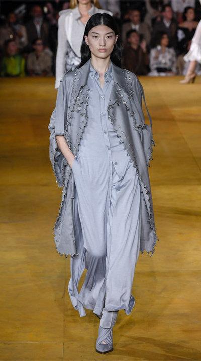 gallery_slider_2_thumb_Fustany-fashion-hijab-fashion-hijab-looks-from-london-fashion-week-2020-94.jpg