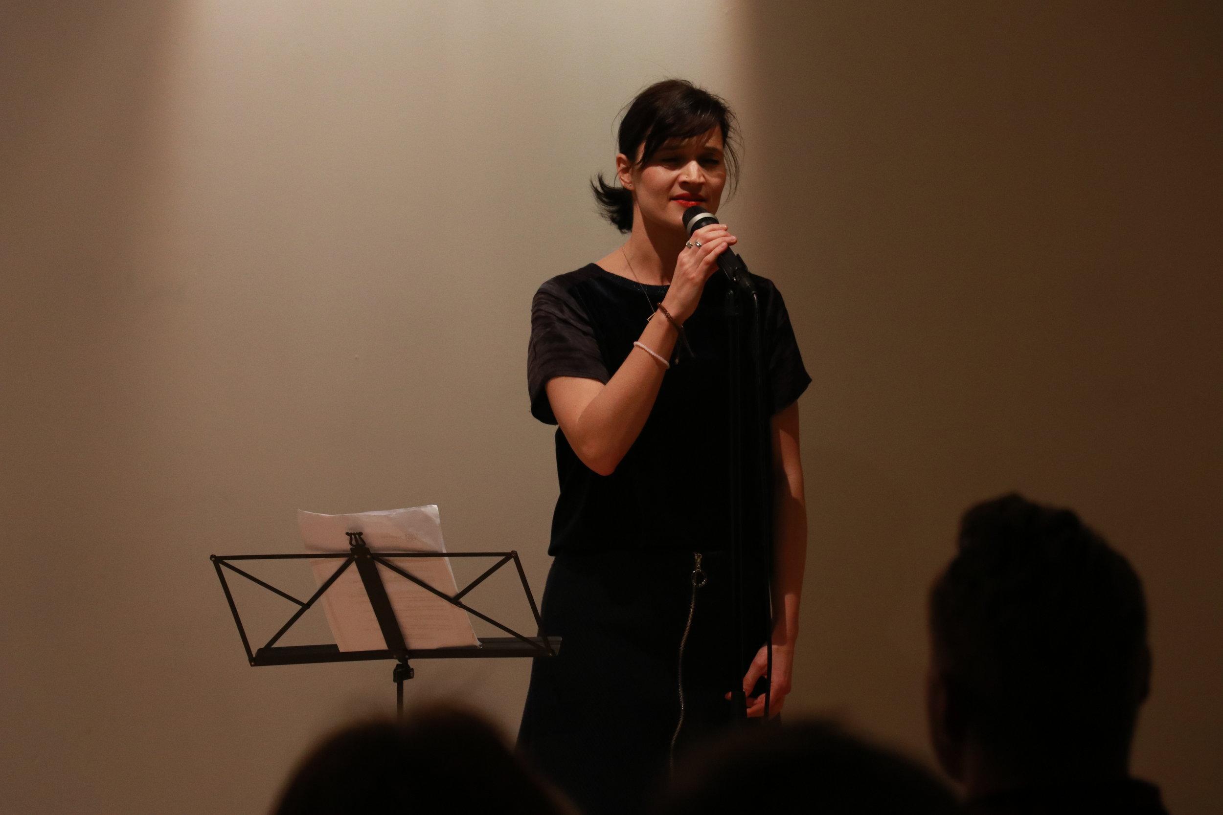 Sånglektioner   Sånglektioner för alla nivåer, sjung individuellt eller i par.