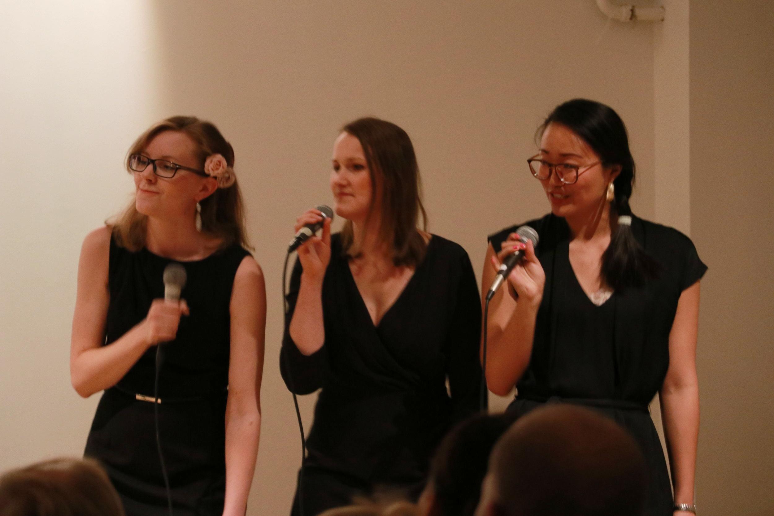 WORKSHOP - DUO / TRIO: stämsång i liten vokalgrupp   En workshopserie på tre tillfällen där du får sjunga i duo eller trio, med soloinslag.