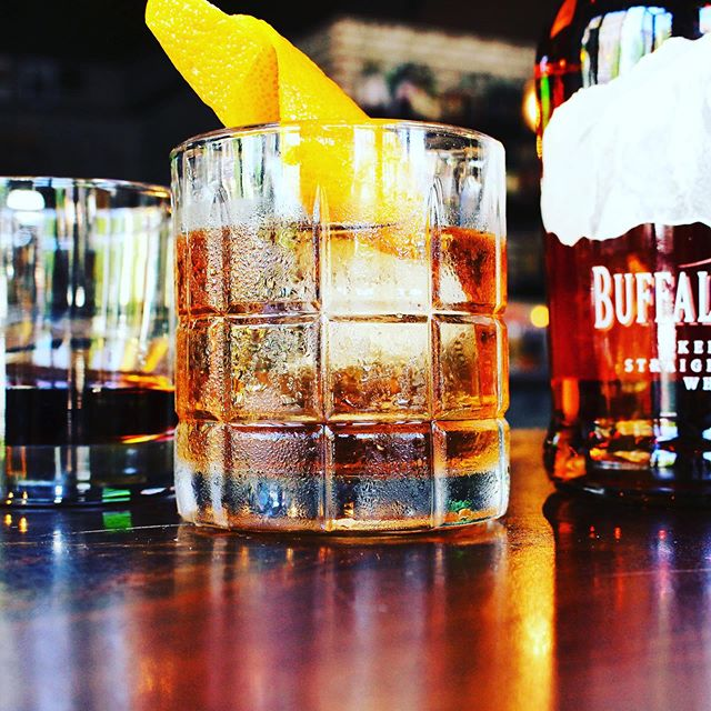 Whiskey and weekend go together right?? #astoria #welcomehome #whiskey #weekend #happyhour #livemusic