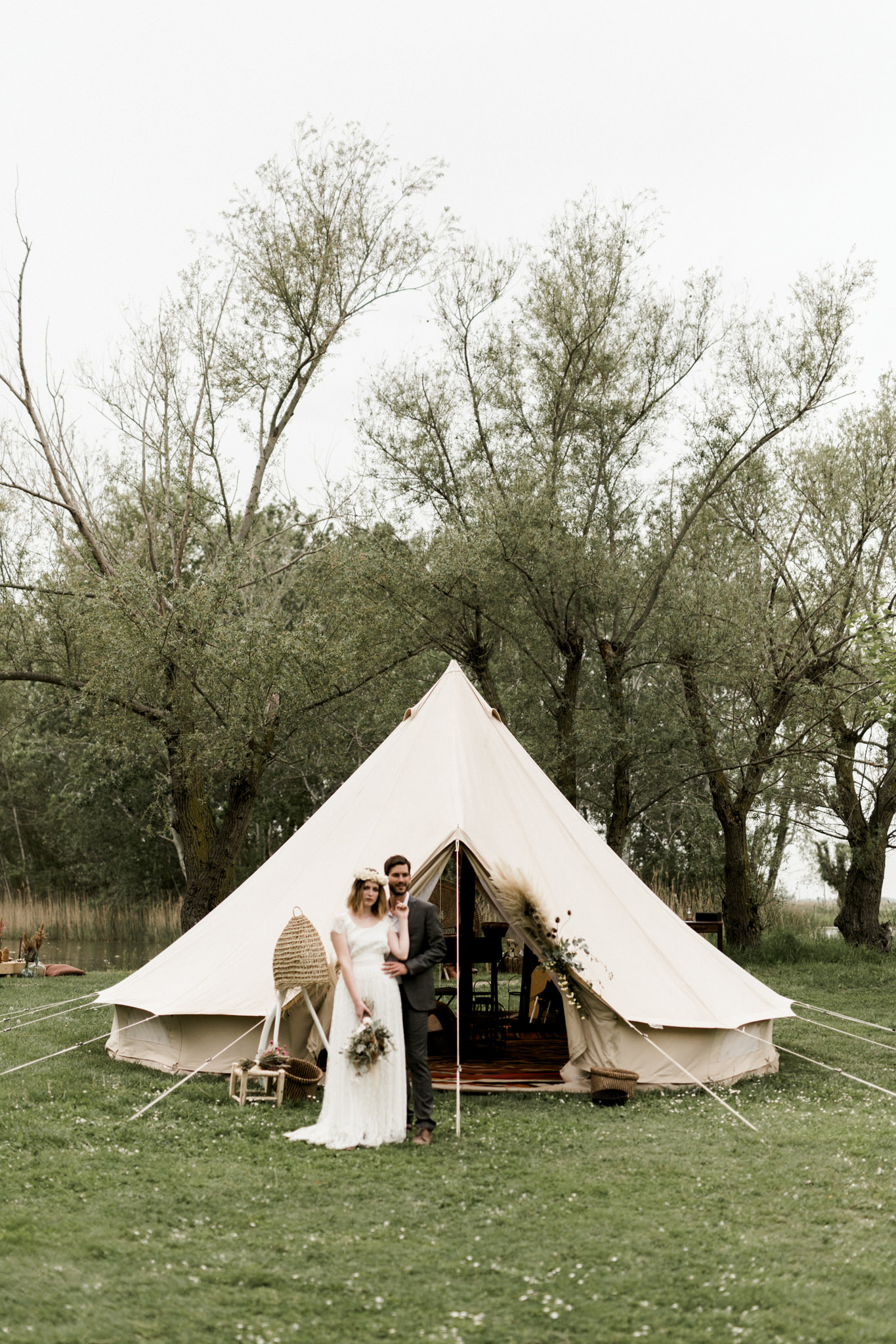 laurent brouzet , belltent wedding , wedding tipi , glamping , event tent , bivouac luxe , boho wedding