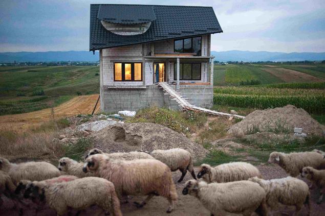 Petrut Calinescu, Certeze village (2012), © Petrut Calinescu