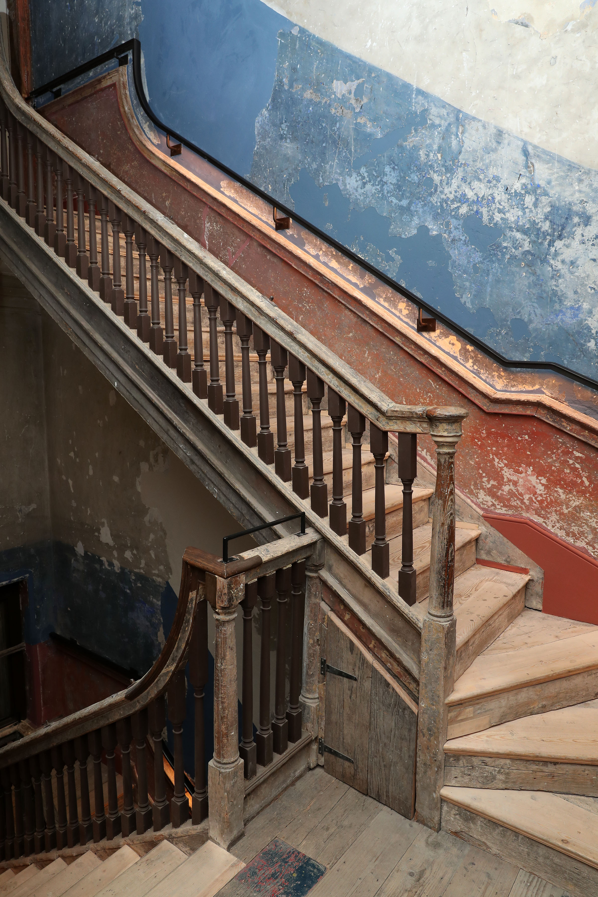 14 Henrietta Street's back stairs, a key communal space in a tenement house. Image by Marc O'Sullivan .jpg