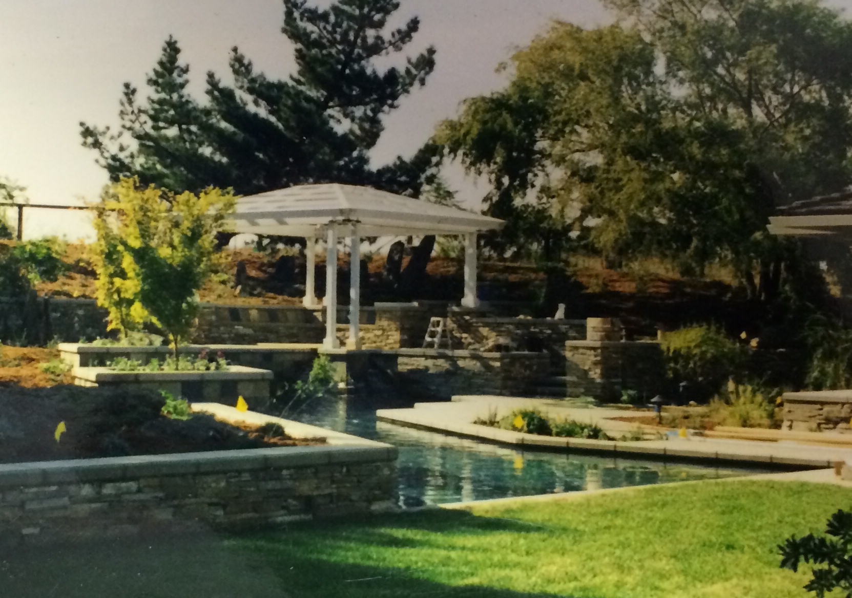 Landscape Designer's Tips for Planning a Large-Scale Project in Folsom, CA