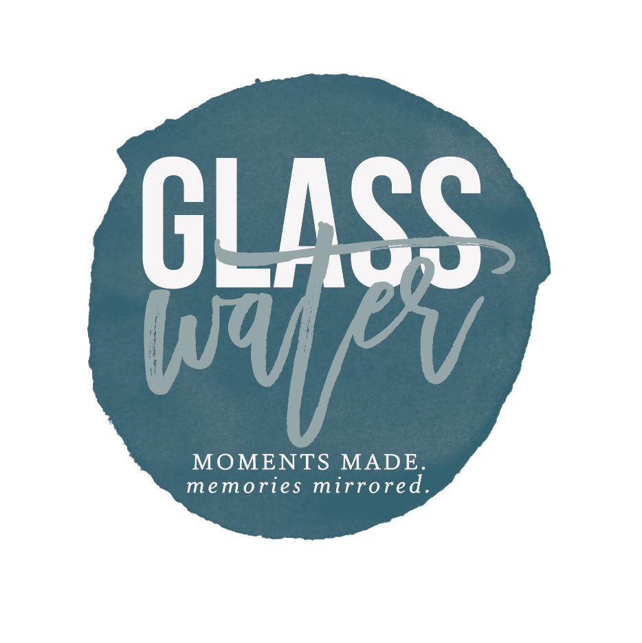 glasswater-photography-logo-circle.png