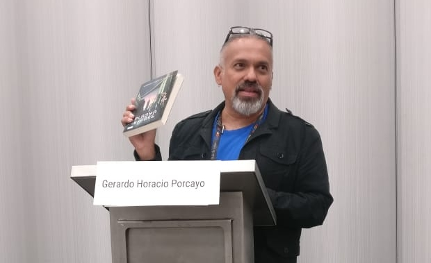 Gerardo Horacio Porcayo at the Mexicanx Initiative Spanish language group reading (Photo by Alberto Chimal)