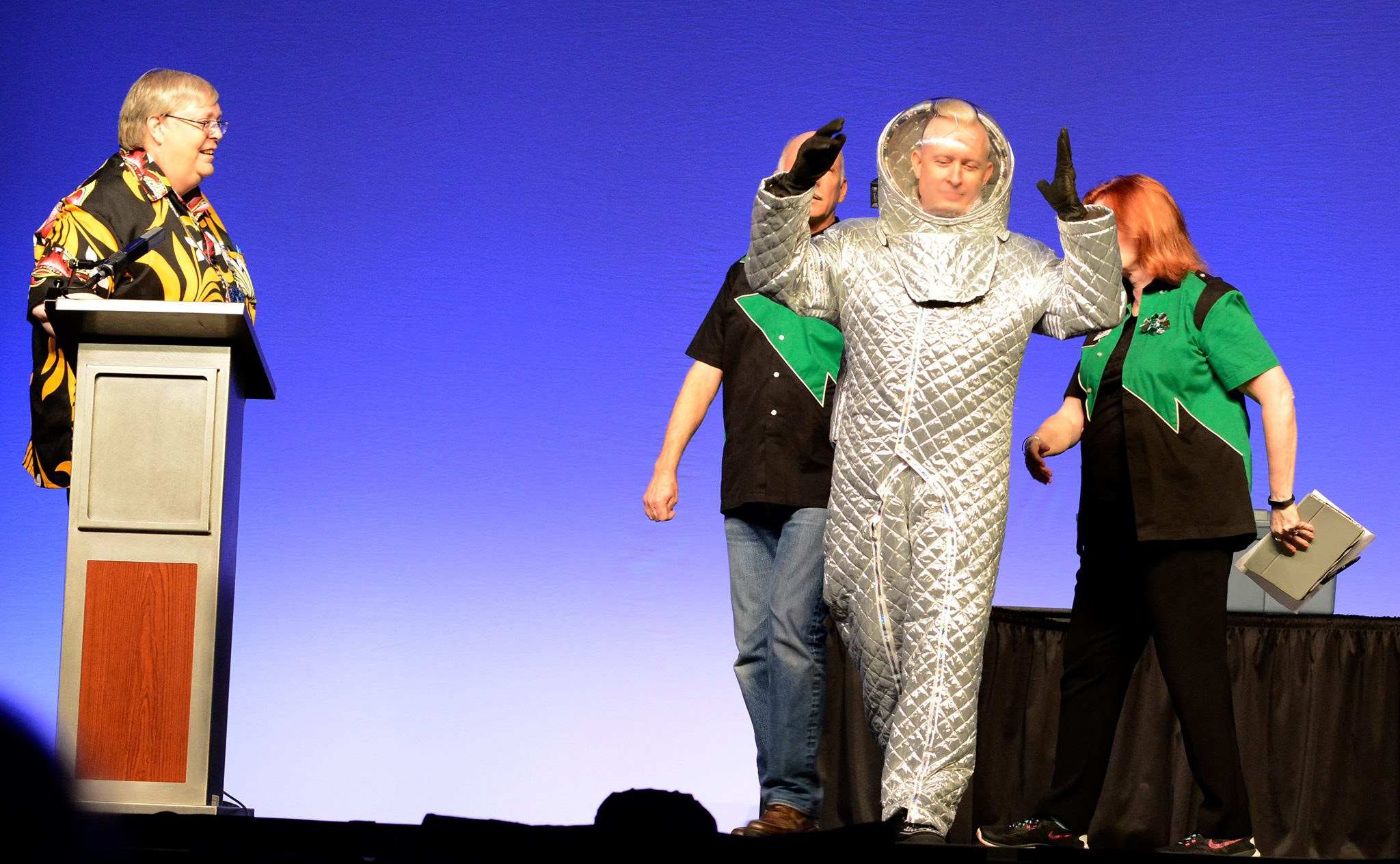 Kevin Roche in  spacesuit at the Worldcon 76 Opening Ceremonies