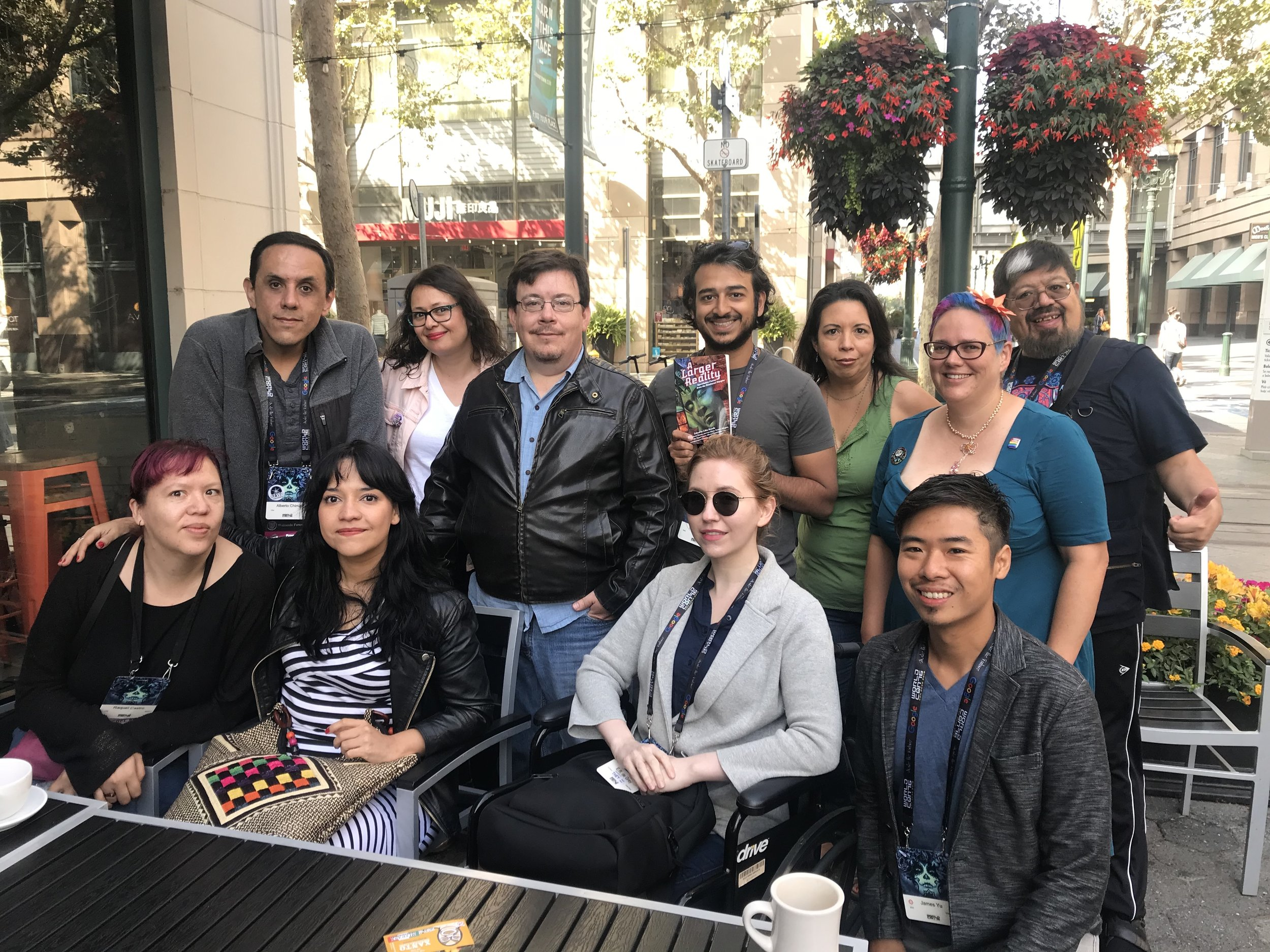 Mexicanx Initiative members meet with Kickstarter backers to thank them for backing A Larger Reality / Una realidad más amplia